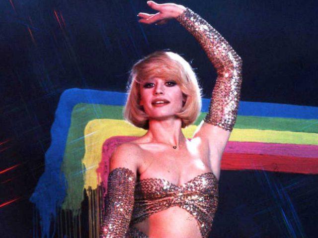 Raffaella Carrà, la 'auténtica estrella': muere un icono gay, de la moda y del pop